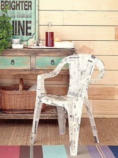 diy-decoupage-furniture-from-old-newspapers2