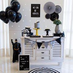 tan tan tan batmaaannn Incrível festa com o tema Batman! Happy Birthday B, Birthday Goals, Batman Birthday, Baby Birthday, Birthday Decorations At Home, Birthday Themes For Boys, Boy Birthday Parties, Superhero Theme Party, Batman Party