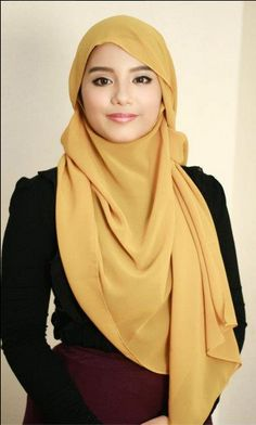 Side fringe hijab by Tudung People