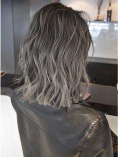 Hair Color Streaks, Ombre Hair Color, Brown Hair Colors, Brown Hair Balayage, Ash Blonde Hair, Pelo Color Ceniza, Medium Hair Styles, Short Hair Styles, Mushroom Hair