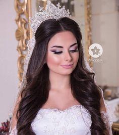 Wedding Hair And Makeup, Bridal Makeup, Bridal Hair, Hair Makeup, Open Hairstyles, Elegant Hairstyles, Bride Hairstyles, Eye Make Up, Wedding Photoshoot