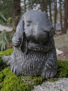 Garden Rabbit Statue   Garden Decor