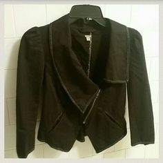 TODAY ONLY SALE💙 Free People Crop Jacket Cute Free People Black Crop Jacket sz. 4 Free People Jackets & Coats Blazers