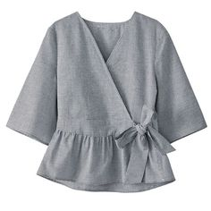 Blouse femme en solde - Women's style: Patterns of sustainability Muslim Fashion, Hijab Fashion, Fashion Dresses, Blouse Styles, Blouse Designs, Bluse Outfit, Pakistani Dresses Casual, Stylish Dresses For Girls, Girls Fashion Clothes