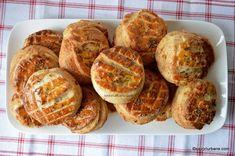 Pogăci cu jumări - rețeta ardelenească de pogăcele fragede   Savori Urbane Biscuits, Muffin, Bread, Breakfast, Food, Crack Crackers, Morning Coffee, Cookies, Brot