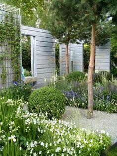 The Intercontinental Gardener: Nordic touch at the Northwest Flower Garden Show. Scandi Garden, Garden Cottage, Front Gardens, Outdoor Gardens, Garden Landscape Design, Garden Landscaping, Amazing Gardens, Beautiful Gardens, Modern Planting