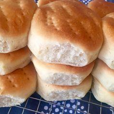 """1,089 Likes, 13 Comments - #RecetasArgentinas 🍴 (@recetasargentinas) on Instagram: """"Figacitas para sandwiches 🥖 Tan tiernitos y esponjosos que ni bien salen del horno son una…"""""""