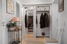#homestyling #styling #hallway #hall Styling av sekelskifteslägenhet med rymd | Move2