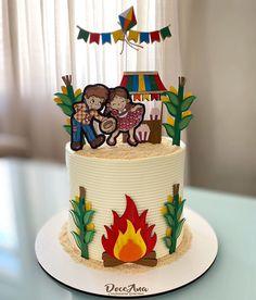 Buttercream Cake, Birthday Cake, 1, Desserts, Food, Instagram, Birthday Cake For Baby, Cake Toppers, Roses