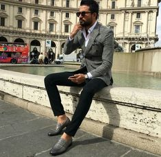 12 Useful Tips about Men's Fashion – Designer Fashion Tips Grey Blazer Outfit, Blazer Outfits, Thalia, Simple Outfits, Cool Outfits, Men Style Tips, Suit And Tie, Gray Jacket, Mens Clothing Styles
