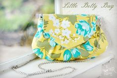 Little Betty Bag - a free pdf pattern and tutorial for the perfect little purse #diy #sewing