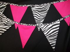Diva zebra pink banner Could make out of cardstock Zebra Birthday, 1st Birthday Girls, 80th Birthday, Sweet Love Notes, Love Is Sweet, Sweet 16, Diva Birthday Parties, Diva Party, Party Ceiling Decorations