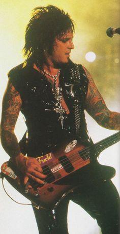 Nikki Sixx of Motley Crue (Jul/2000/BURRN!)