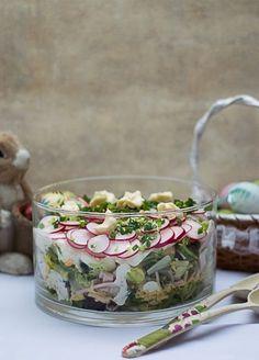 Warstwowa sałatka wielkanocna Appetizer Salads, Appetizers, Bon Appetit, Holiday Recipes, Food Porn, Food And Drink, Tasty, Snacks, Dishes