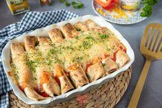 Enchiladas met gehakt en groenten Pita Wrap, Omelet, Nachos, Enchiladas, Food Inspiration, Quiche, A Food, Pizza, Favorite Recipes