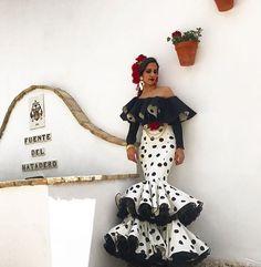 "284fc0aad3 Flamencas Con Arte on Instagram  ""🌹FLAMENCAS CON ARTE 🌹 Diseño    jorgesanchezdym . .  flamenca  flamencas  flamencasconarte  flamencas2018   flamencastyle ..."