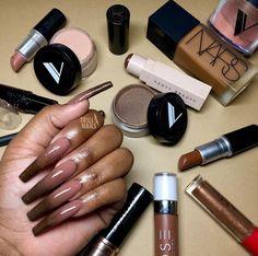 Nails on Black Women Bling Acrylic Nails, Almond Acrylic Nails, Best Acrylic Nails, Acrylic Nail Designs, Art Nails, Dope Nails, Swag Nails, Gorgeous Nails, Pretty Nails