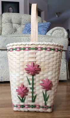 Bamboo Weaving, Willow Weaving, Weaving Art, Making Baskets, Old Baskets, Easter Baskets, Basket Weaving Patterns, Nantucket Baskets, Basket Crafts