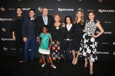 Neue Nachricht:  https://ift.tt/2GsF95O Roseanne Cast feiert Premiere der neuen Staffel #nachrichten