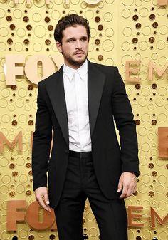 """Kit Harington arrives for the Emmy Awards "" Eddard Stark, Sansa Stark, Fantasy Male, Fantasy Series, Kyle Mooney, Liam Cunningham, Kenan Thompson, Game Of Thrones"