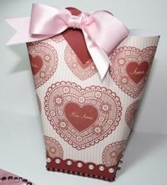 DIY A Lovely Gift Bag