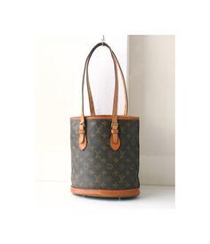 Louis Vuitton Monogram Petite Bucket shoulder handbag authentic vintage purse Rare by hfvin on Etsy  #louisvuitton #lv #monogram #petite #bucket #shoulderbag #handbag #hfvin