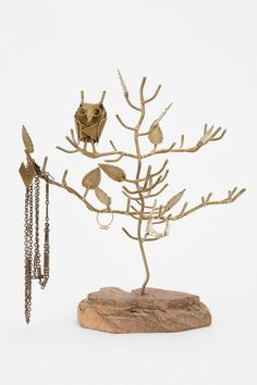 Magical Thinking Owl Branch Jewelry Stand - eclectic - bath and spa accessories - - by Urban Outfitters Owl Jewelry, Jewelry Tree, Jewelry Stand, Dainty Jewelry, Jewelry Holder, Cute Jewelry, Funky Jewelry, Hair Jewelry, Bridal Jewelry