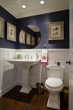 badezimmergestaltung ideen chevronmuster lila wandgestaltung waschbecken