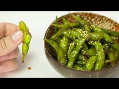 Edamame 2 Simple Recipes - YouTube Simple Recipes, Easy Dinner Recipes, Appetizer Recipes, Easy Meals, Appetizers, Yummy Snacks, Healthy Snacks, Healthy Recipes, Sushi Recipes