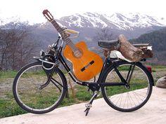Solex d'un montagnard musicien