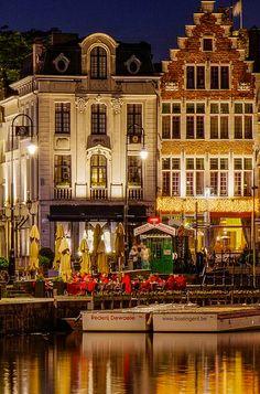 Ghent Belgium √