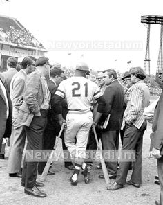 Pittsburgh Pirates- Roberto Clemente World Series Roberto Clemente, 1971 World Series, Pirate Pictures, Pirates Baseball, Mlb Players, Jolly Roger, Pittsburgh Pirates, Puerto Ricans, Upper Deck