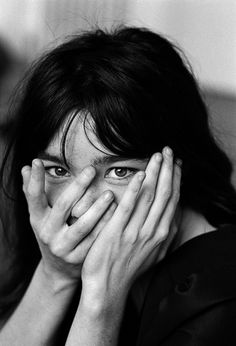 (Bjork) Looking for Light a journey through the life & work of legendary portrait photographer Jane Bown Black And White Portraits, Black And White Photography, Jane Bown, Anthony Kiedis, Bjork, Freddie Mercury, Famous Faces, Messy Hairstyles, Britney Spears