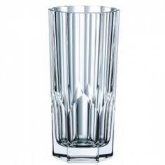 Nachtmann's Serie Aspen er lavet i lead crystal glas og rummer 30,9 cl. Flot og elegant glas, som egner sig både som hverdagsglas og til fest.