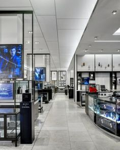 Macy's brings urban sophistication to its refreshed Herald Square men's department | VMSD