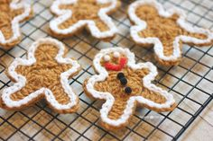 Free crochet pattern for Crochet Gingerbread Man ... could be used for a variety of Christmas gifts and decorating. Fun!Save for next Christmas!