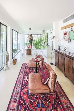 Contemporary property on water's edge #interior #interiordesign #table #lounge #design #decor #luxury #дизайн #гостиная #люкс #роскошь #luxe #prestige #immobilier #realestate #недвижимость #france  #франция #интерьер #sofa #canape #диван #CapFerrat #terrace #terrasse #терраса #house #villa #дом #вилла #maison #home #cotedazur #viewtodiefor #sea  #mediterranean #FrenchRiviera #вид #виднаморе #море #лазурныйберег