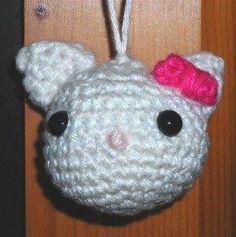 Hello Kitty hoofdje (mijn derde haaksel in mijn leven)