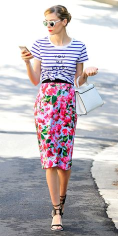 Jaime King striped t-shirt and floral skirt