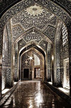 Sheikh Lutfollah Mosque - Isfahan, Iran