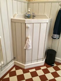 - Lilly is Love Compact Bathroom, Small Bathroom, Dream Bathrooms, Beautiful Bathrooms, Bad Styling, Red Floor, Art Deco Bathroom, Van Design, House Tiles