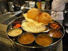 Cuisine indienne végétarienne au Saravana Bhavan 170, rue du Faubourg Saint Denis 75010 Paris