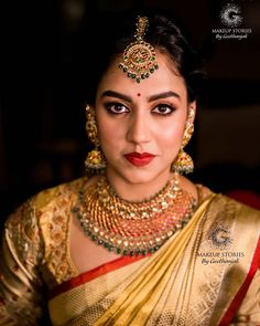 Photo shared by Brides Of Bangalore on May 2020 tagging and Image may contain: 1 person, closeup South Indian Wedding Saree, Indian Bridal Sarees, Bridal Silk Saree, Indian Lehenga, Wedding Saree Blouse Designs, Wedding Blouses, Wedding Sarees, Saree Jewellery, Gold Jewellery