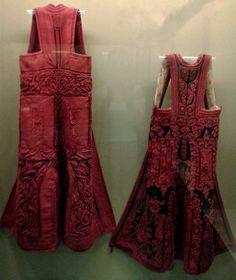 Tradinional costume of Epirus, Greece Greek Traditional Dress, Traditional Outfits, Greek Costumes, Dance Costumes, Sewing Equipment, Mode Boho, Folk Costume, Historical Costume, Color Patterns