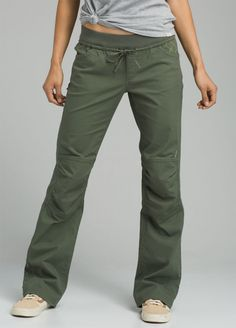 Add some color to your wardrobe with the Avril Pant. This organic cotton stretch pant has multicolor contrast patches at the front and back pockets. organic cotton stretch pant features multicolor contrast patches at the front and back pockets. Punk Outfits, Fashion Outfits, Climbing Pants, Outdoor Pants, Weekend Style, Cotton Pants, Stretch Pants, Casual, Summer Outfits