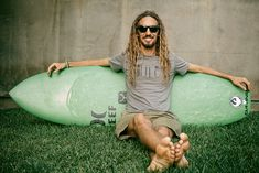 Dragon Alliance Global Surf Team Style master, freesurfer, surfboard designer, and Pipeline Masters Champion. One of the all-time legends of our sport and star of the Momentum Generation. Dragon Sunglasses, Buy Sunglasses, Snowboarding, Skiing, Motocross Riders, Athletes, Surfboard, Masters, Legends