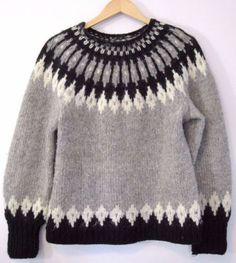 Vintage Nordic Handmade Wool Sweater in Icelandic Style! Gorgeous.