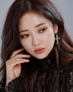 Asian Makeup Looks, Asian Eye Makeup, Beauty Make-up, Asian Beauty, Hair Beauty, Make Up Looks, Korean Model, Asian Woman, Asian Girl