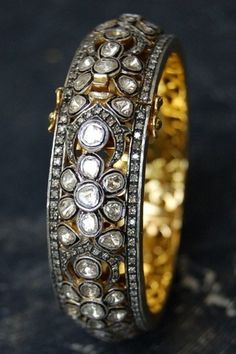 Shop for your wedding jewellery, with a personal shopper & stylist in India - Bridelan, visit our website www.bridelan.com