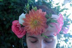 Una corona floreale viivace e colorata, perfetta per l'estate. Per la nostra laureata Domitilla.